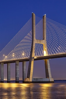 Ponte di vasco da gama a lisbona portogallo
