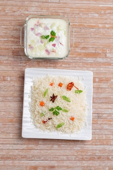 Veg pulav o pulao realizzati con verdure di riso basmathi e spezie indiane