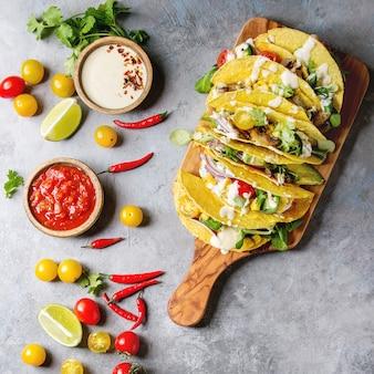 Tacos di mais vegetariani