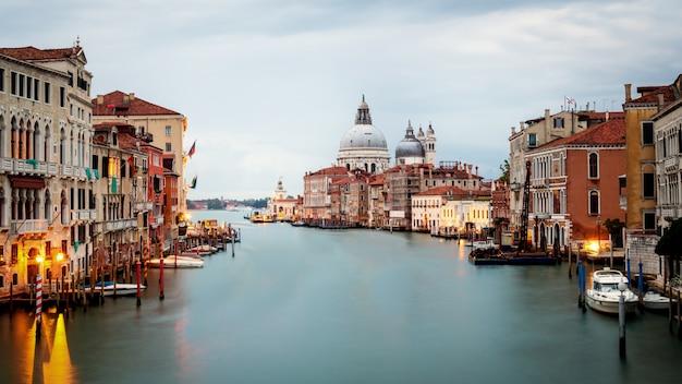 Venezia italia e basilica di santa maria della salute