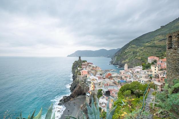 Vernazza villaggio delle cinque terre, città del paesaggio in italia.