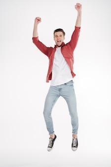 Immagine verticale di uomo felice