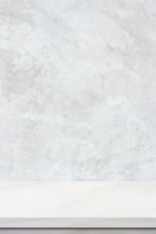 Fondo verticale della superficie del tavolo in marmo, piano del tavolo in pietra bianca per lo sfondo del display del prodotto da cucina