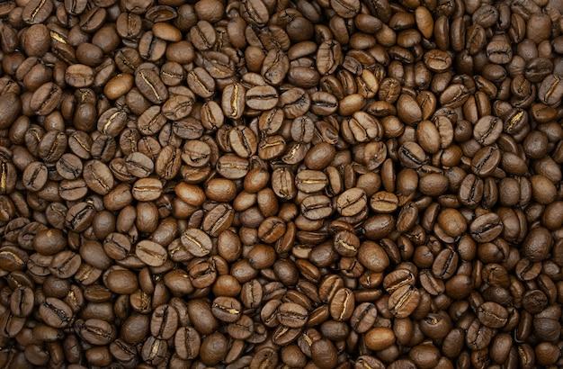 Sfondo molto bello di chicchi di caffè tostati