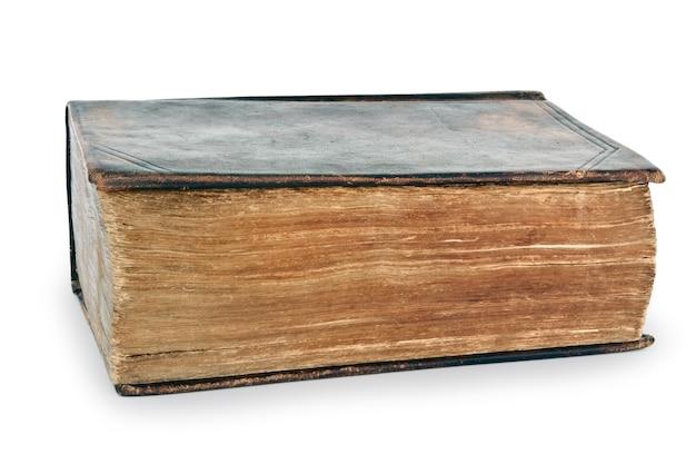 Bibbia santa molto vecchia isolata su bianco