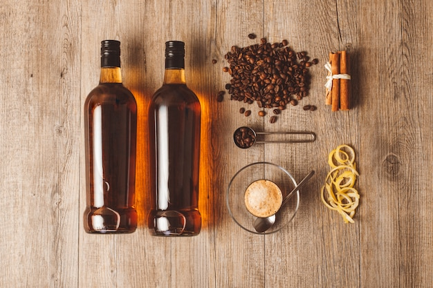 Imballaggio bottiglie di rum rumina distilleria vidrio