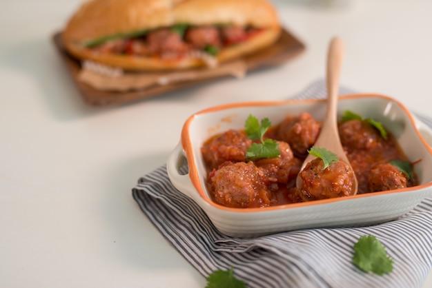 Pane del vietnam dalla polpetta, questo è un cibo popolare e una cultura speciale nella cucina del vietnam