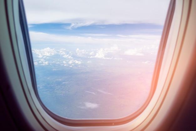 Vista della finestra dell'aeroplano