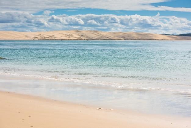 Vista della baia di arcachon e la duna di pyla, aquitania, france