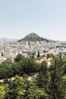 Vista di atene e del monte licabetto, grecia
