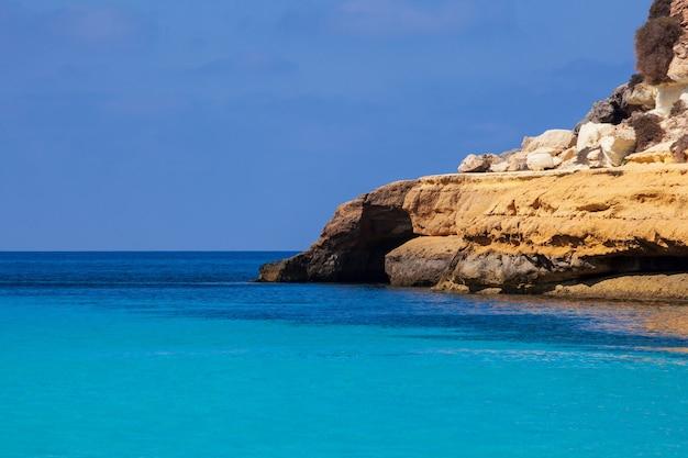 Veduta di cala pulcino, famosa località balneare di lampedusa