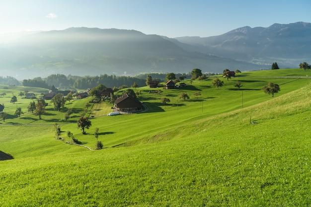 Vista della campagna vicino a sarnen obvaldo in svizzera