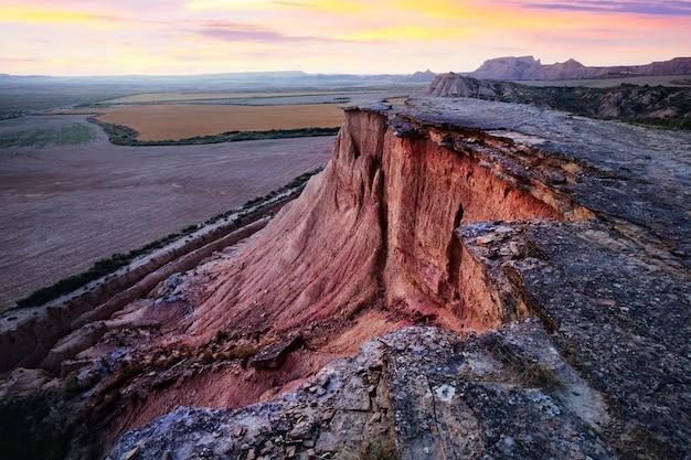 Vista del paesaggio desertico. navarra, spagna