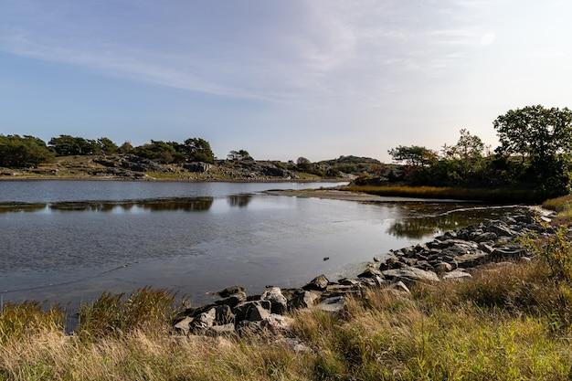 Vista sull'isola di donso arcipelago di göteborg in svezia