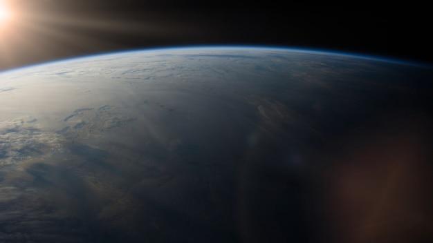Vista del pianeta terra nello spazio esterno.