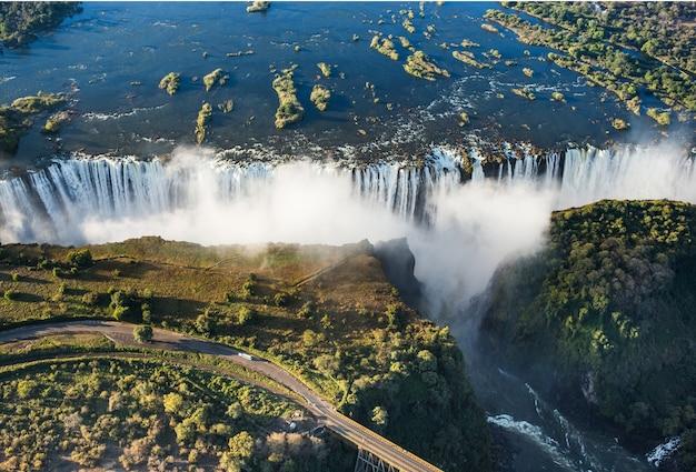 Vista delle cascate da un'altezza di volo degli uccelli