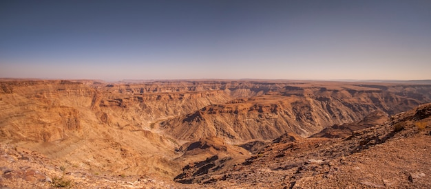 Vista del canyon del fiume del pesce in namibia