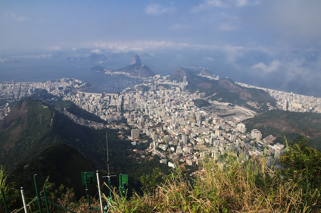 La vista dalla collina del corcovado, rio de janeiro, brasile