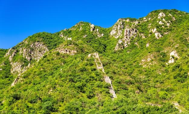 Vista della grande muraglia cinese a juyongguan - pechino
