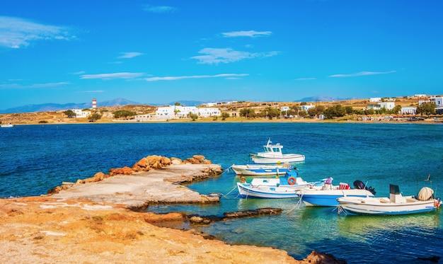 Vista dell'isola a paros, grecia