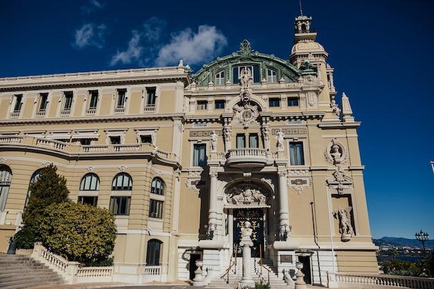 Vista del palazzo di lusso grand casino di monte carlo, monaco.