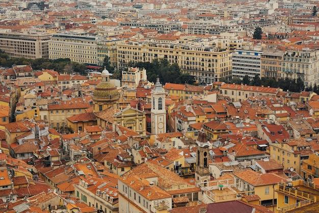 Vista del paesaggio urbano di nizza sulla città vecchia di nizza. Foto Premium