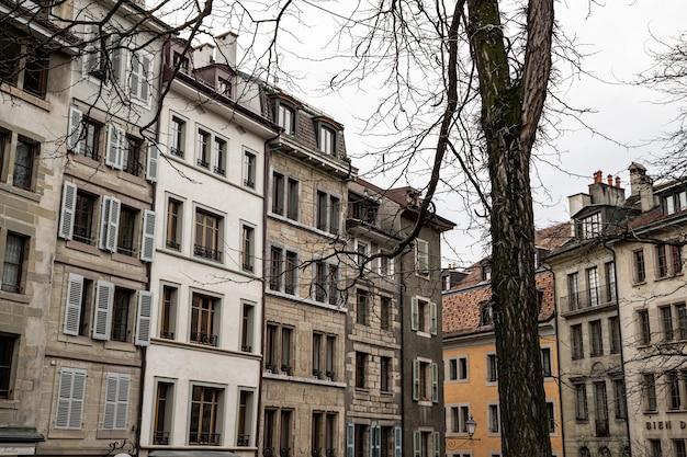 Vista in place du bourg-de-four, ginevra, svizzera