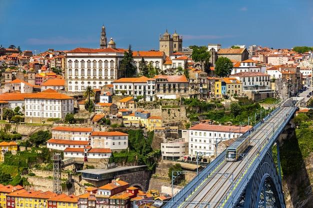 Vista della città vecchia di oporto in portogallo