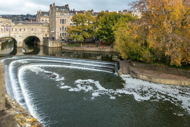 Vista del ponte pulteney a bath
