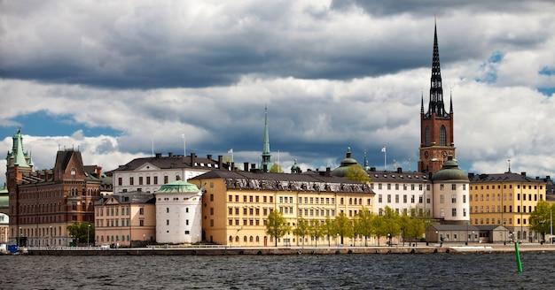 Vista di riddarholmmen dal municipio di stoccolma