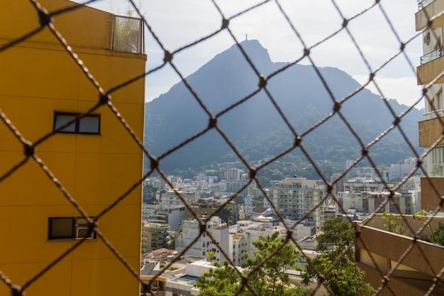 Vista del quartiere laguna rodrigo de freitas a rio de janeiro in brasile.