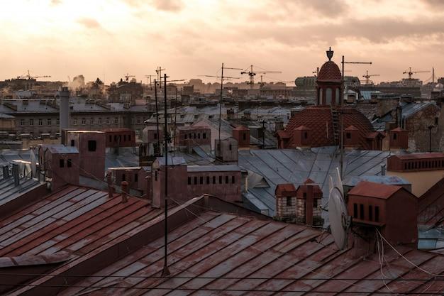 Vista dei tetti di san pietroburgo