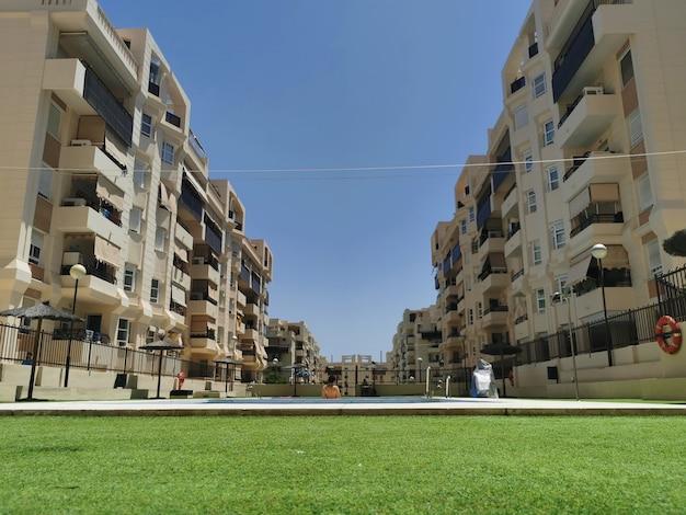 Vista del condominio spagnolo a malaga.