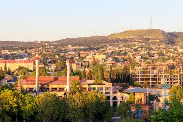 Vista della città di tbilisi, capitale della georgia
