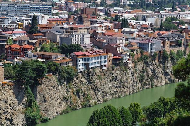 Vista della città di tbilisi, georgia, europa