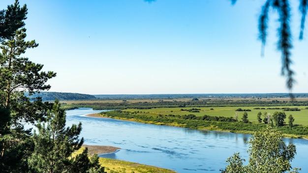 Vista del fiume tom. tomsk. russia.