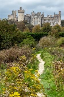 Vista fino al castello di arundel