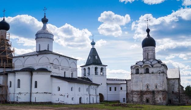 Una vista del cremlino di vologda, città di vologda, russia