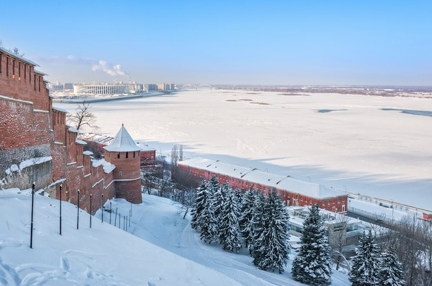 Vista del volga invernale a nizhny novgorod Foto Premium