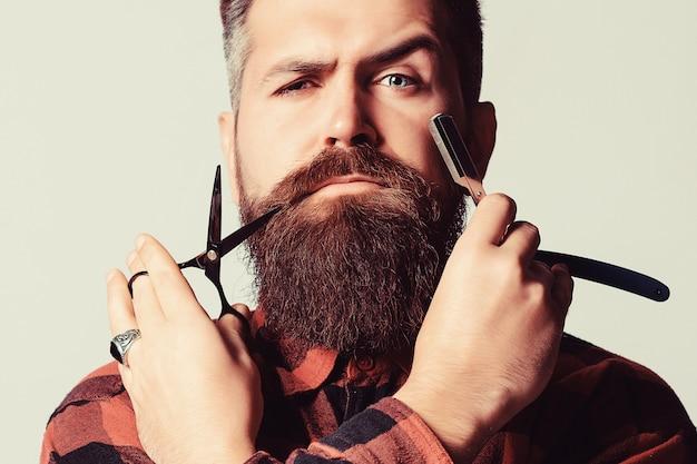 Barbiere vintage, rasatura con rasoio vintage
