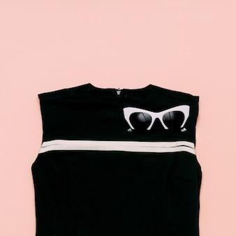 Boutique vintage per le signore. accessori glamour. occhiali da sole retrò. design minimale