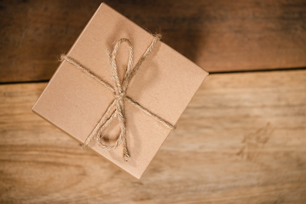 Confezione regalo vintage per la sorpresa di capodanno