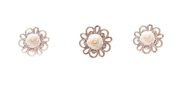 Fondo bianco dorato dell'annata. accessorio elegante chic alla moda