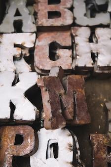 Vintage vecchie lettere di stampa