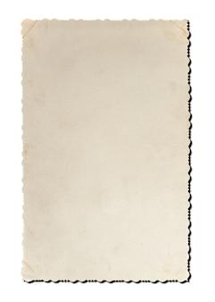 Carta fotografica d'epoca isolata su sfondo bianco. cornice vuota