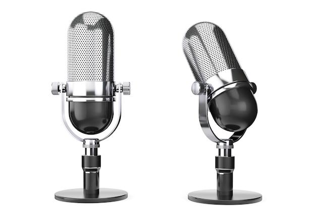 Microfono vintage argento su sfondo bianco