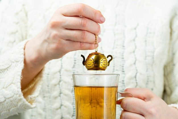 Colino da tè vintage Foto Premium