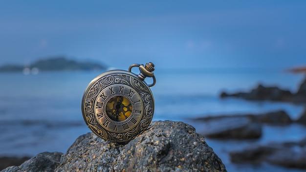 Ciondolo orologio vintage
