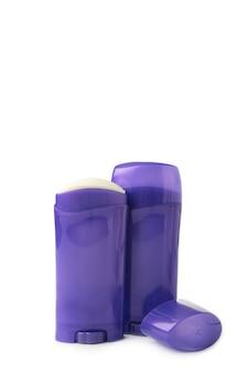 Bottiglia viola con roll-on deodorante antitraspirante per il corpo isolato. vista dall'alto