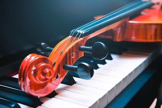 Violino e pianoforte. musica classica.